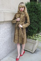 tawny bianca milly coat - black 255 Chanel bag - gold cameo vintage ring