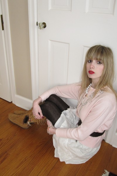 pink beaded vintage sweater - brown moccasin Minnetonka boots