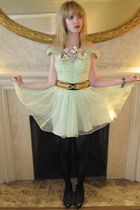 green vintage dress - black vintage belt - silver Fenton-Fallon necklace - silve