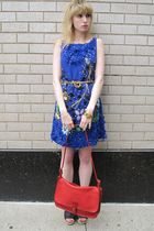 blue Anna Sui dress - gold vintage necklace - gold vintage bracelet - red vintag