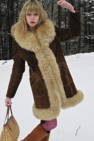 brown vintage coat - pink nicole miller tights - yellow purse - brown delman boo