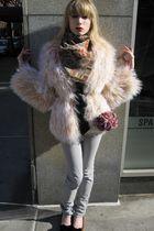 beige fur 31 phillip lim jacket - gray skinny J Brand jeans