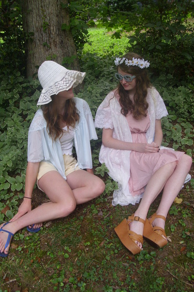 Bubble-gum-backless-romwe-dress-cream-floppy-vintage-hat