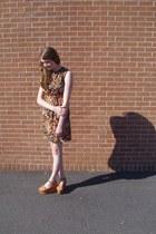 burnt orange retro Shop Wasteland dress - tawny flatform Steve Madden sandals