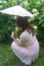 Bubble-gum-parasol-antique-accessories-bubble-gum-oasap-dress