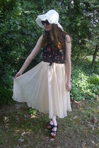 eggshell vintage skirt - ivory vintage hat