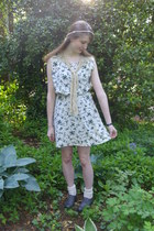 white leaf Urban Outfitters dress - off white Forever 21 socks