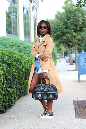 vintage jacket - Marc Jacobs bag - Nasty Gal shorts - Ray Ban sunglasses