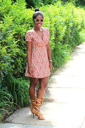 vintage dress - Missguided sunglasses - tory burch sandals