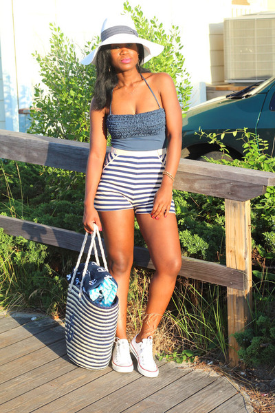937023b7 floppy Target hat - Target bag - Urban Outfitters shorts - Converse sneakers