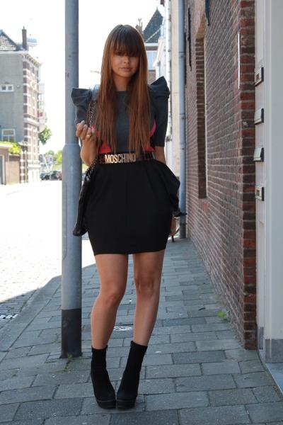 Primark dress - Zara boots - Vintage Moschino belt