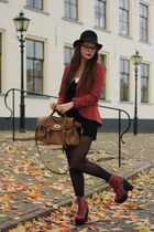 Only blazer - Jeffrey Campbell boots - VJ-style bag - Motel suit