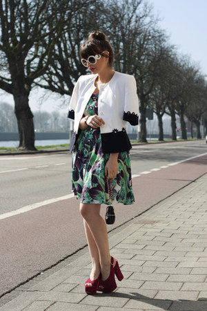 vintage jacket - romwe dress - Chanel bag - romwe sunglasses
