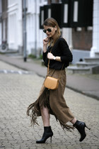 suede fringe vintage skirt - Jimmy Choo boots - Ray Ban sunglasses
