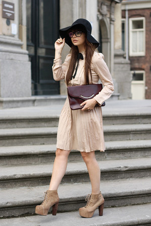 VJ-style dress - JC Lita shoes - H&M hat - fashionzenvintage bag