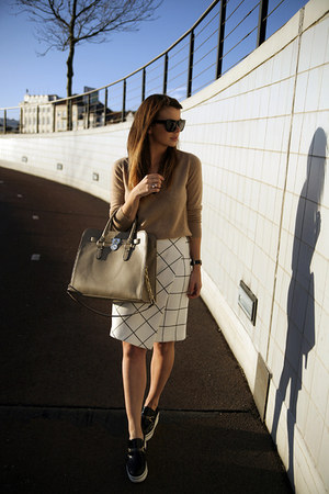 Zara skirt - cashmere v-neck Zara sweater - hamilton Michael Kors bag
