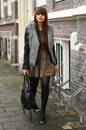 fur vest Zara vest - Nowhere shoes - Love dress