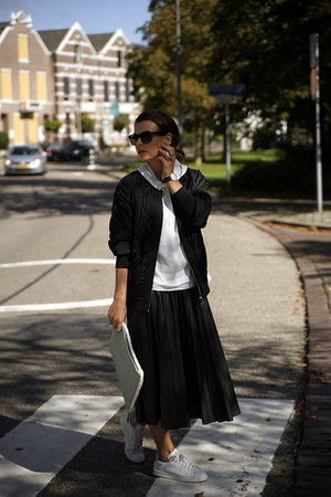 midi Zara skirt - Zara jacket - adidas stan smith sneakers