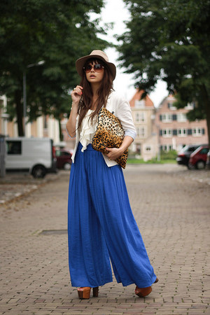 Coverbee bag - Zara pants
