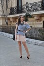 Peach-zara-dress-heather-gray-zara-t-shirt-black-zara-heels