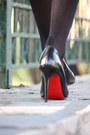 Green-zara-shirt-black-zara-shorts-black-christian-louboutin-heels