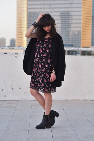 black H&M blazer - magenta Forever 21 dress