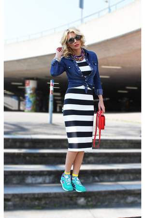 Zara dress - Zara bag - Marc Jacobs sunglasses - New Balance sneakers