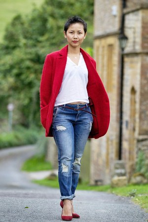ruby red blazer - crimson shoes - navy boyfriend Zara jeans