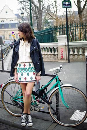 black Converse shoes - black Zara jacket - eggshell H&M shirt