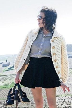 heather gray Gap shirt - dark gray American Apparel skirt - beige vintage cardig