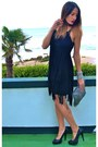 Black-zara-dress-silver-zara-bag-black-hazel-heels