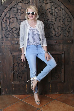 light blue light denim H&M jeans - beige striped linen TJ Maxx jacket