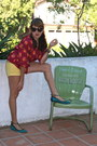 Yellow-target-shorts-teal-shoedazzle-sandals-maroon-floral-tucker-blouse