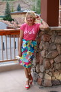 Bubble-gum-graphic-tee-jcrew-t-shirt-sky-blue-floral-midi-jcrew-skirt