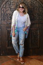 Light-blue-distressed-forever-21-jeans-light-brown-forever-21-sandals