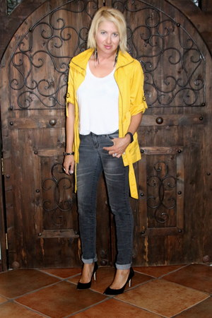 dark gray black closet jeans - mustard TJ Maxx jacket - white H&M t-shirt