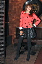 salmon star print Forever 21 sweater - black booties michael antonio boots