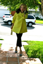 yellow Nine West coat - black Forever 21 pants