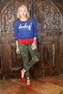 Blue-sweatshirt-bloomingdales-sweater-army-green-camo-cotton-on-pants