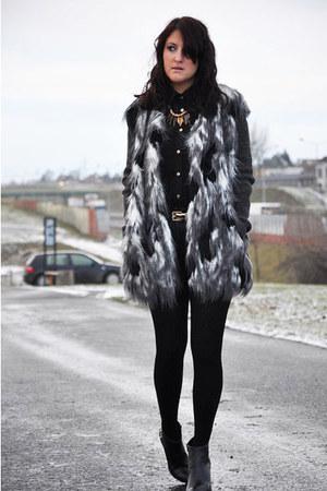 River Island jacket - Zara boots - Zara shorts