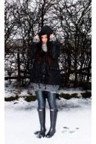Hunter boots - Zara jacket - Calzedonia leggings