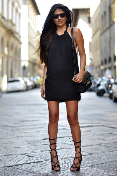 backless Zara dress - PROENZA SCHOULER bag - wayfarer ray-ban sunglasses