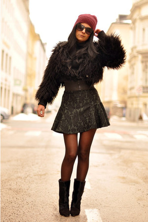 dark green baroque Zara skirt - black lazio Isabel Marant boots