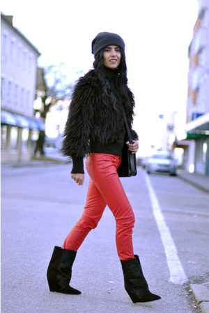 black lazio Isabel Marant boots - black fur Mango coat - black H&amp;M hat