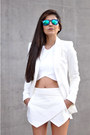 White-zara-blazer-aquamarine-mirrored-freyrs-sunglasses