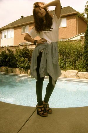 white Zara t-shirt - blue vintage shirt - black Domino leggings - black Christia