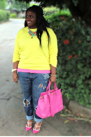 yellow asos sweater - Valentino shoes - blue ripped jeans asos jeans