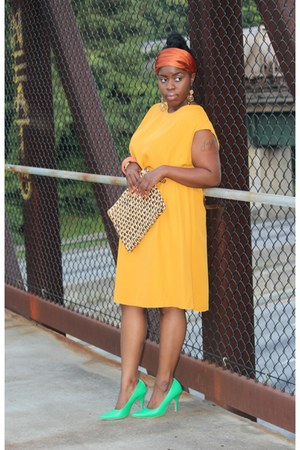 mustard yellow vintage dress - vintage purse - green vintage heels