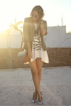 metallic Zara heels - aviator Ray Ban sunglasses - tiger Zara blouse