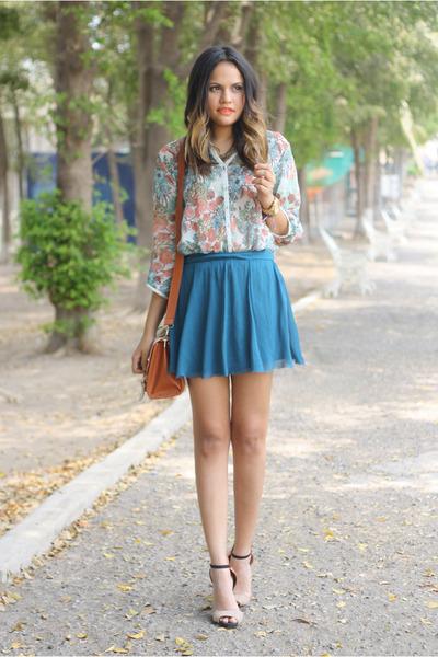 aquamarine floral print pull&bear blouse - tawny bicolor Zara heels